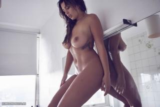 Holly_Peers_topless_elredondelito-es_030