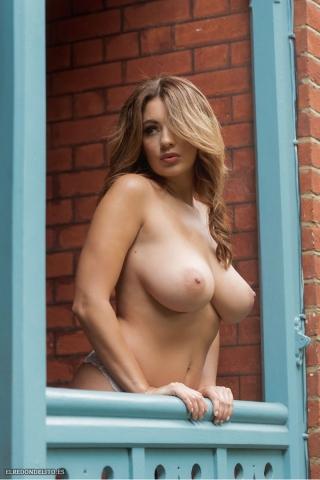 Holly_Peers_topless_elredondelito-es_033