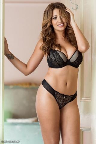 Holly_Peers_topless_elredondelito-es_050
