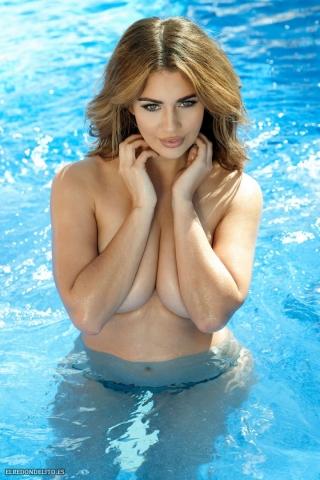 Holly_Peers_topless_elredondelito-es_087