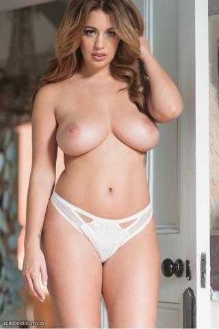 Holly_Peers_topless_elredondelito-es_089
