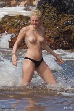 myley_cyrus_sexy_desnuda_025