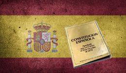 Bandera de España y su Constitución