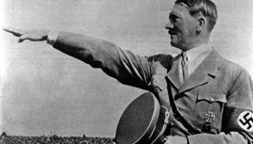 Adolf Hitler en plena faena