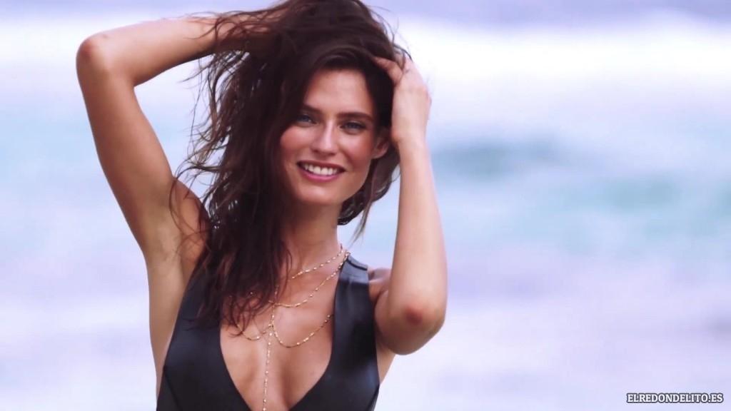 Sports_Illustrated_Bianca_Balti_Sexy_&_Topless_2017_036