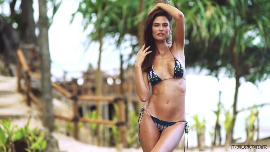 Sports_Illustrated_Bianca_Balti_Sexy_&_Topless_2017_052