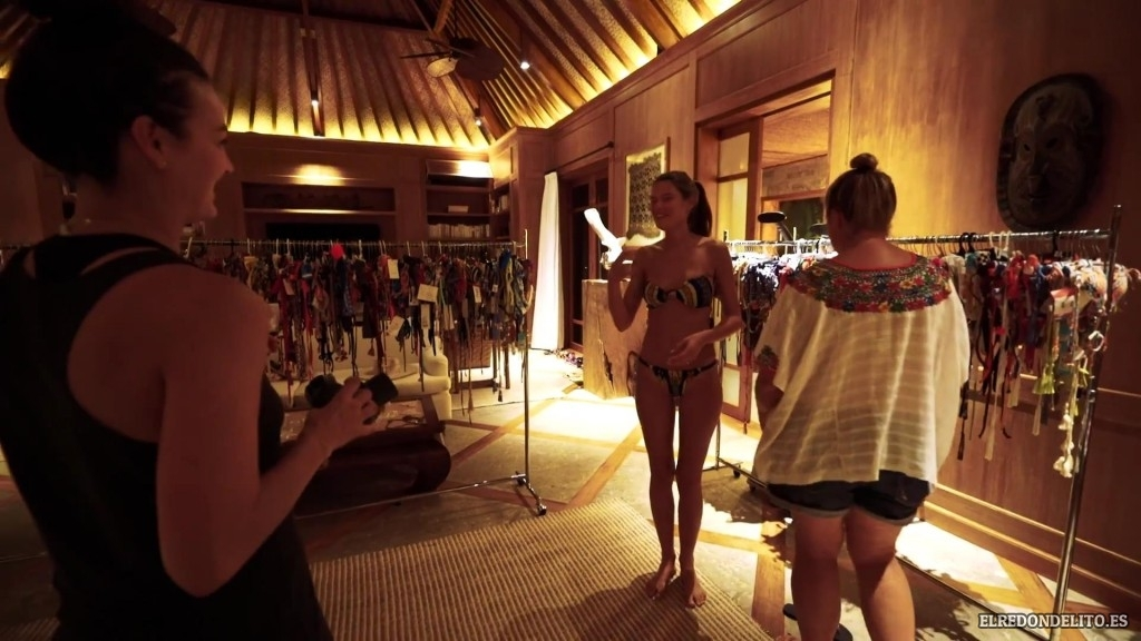 Sports_Illustrated_Bianca_Balti_Sexy_&_Topless_2017_056