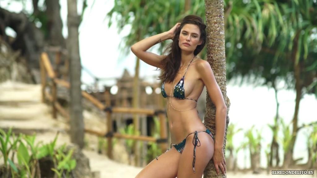 Sports_Illustrated_Bianca_Balti_Sexy_&_Topless_2017_063