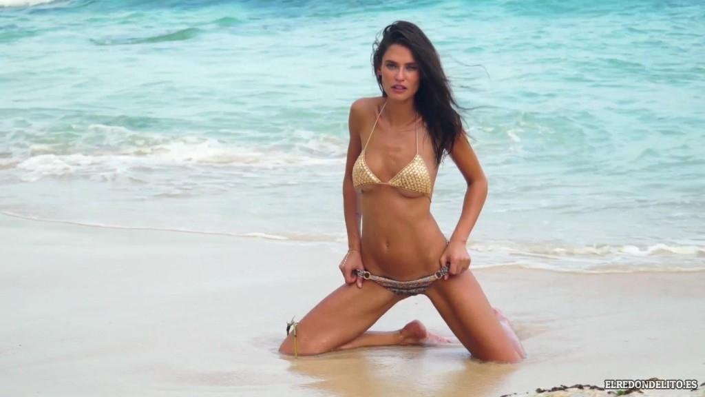 Sports_Illustrated_Bianca_Balti_Sexy_&_Topless_2017_096