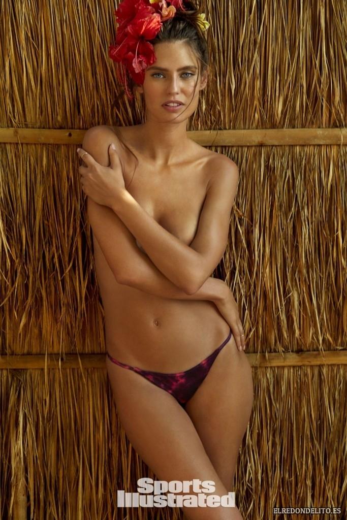 Sports_Illustrated_Bianca_Balti_Sexy_&_Topless_2017_114
