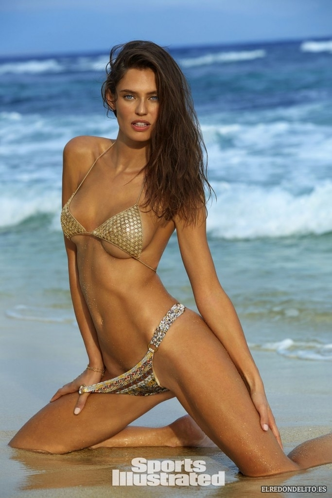 Sports_Illustrated_Bianca_Balti_Sexy_&_Topless_2017_116