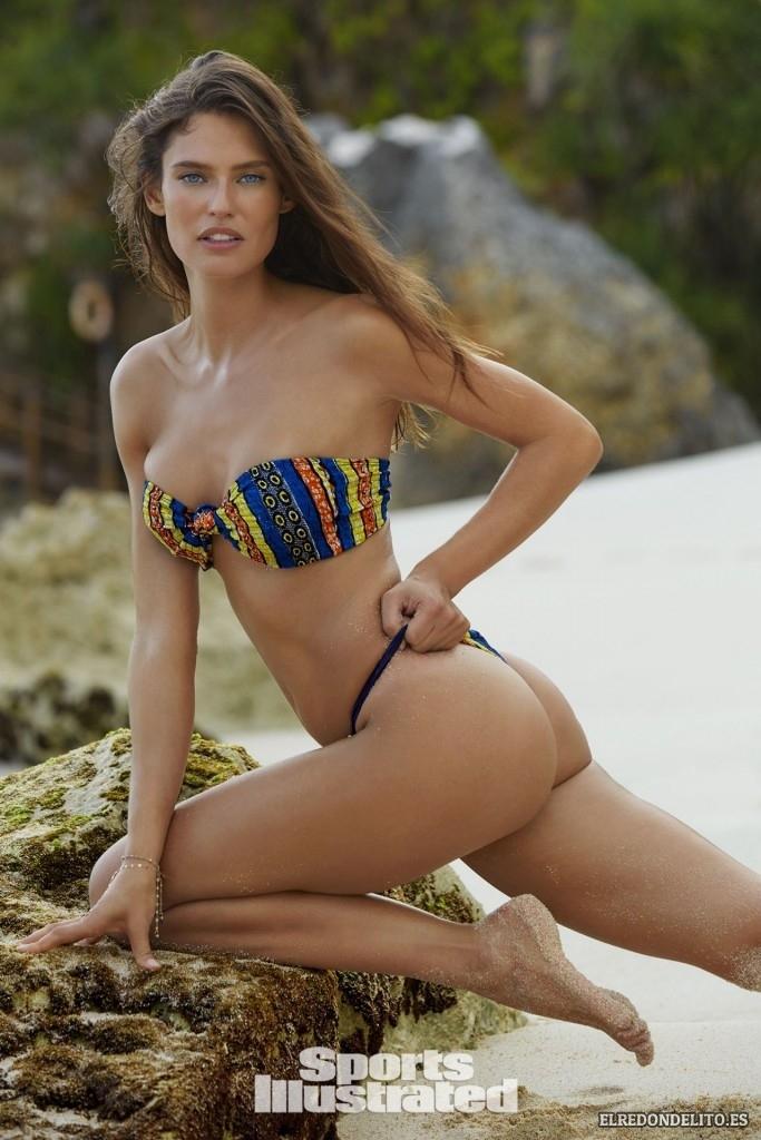 Sports_Illustrated_Bianca_Balti_Sexy_&_Topless_2017_134