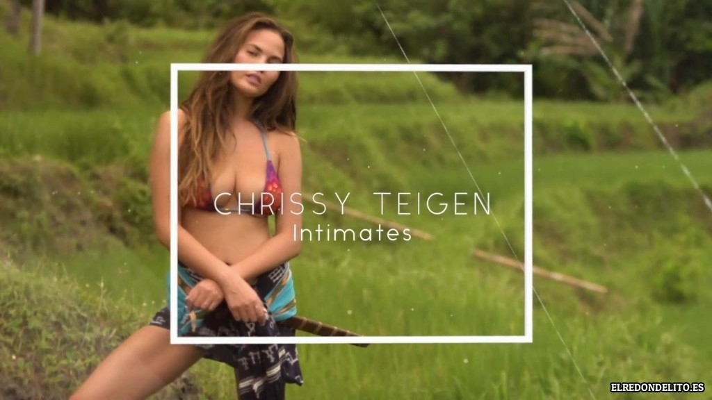 Sports_Illustrated_Chrissy_Teigen_Sexy_2017_070