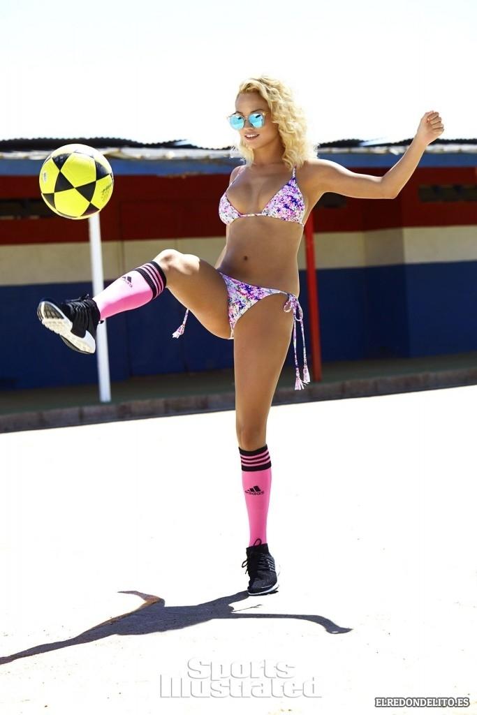 Sport_Illustrated_Rose_Bertran_Sexy_2017_097