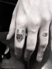 tatuajes_protagonistas_perros_028