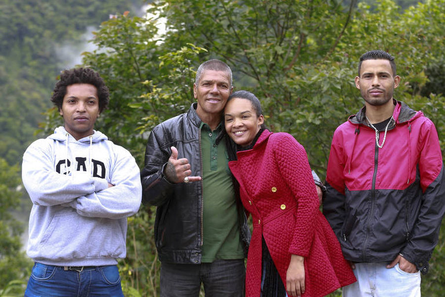 Pedro Rodrigues en la actualidad con su esposa y sus hijos